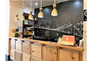 Coworking space in New York - GREEN DESK LIC 41st Avenue